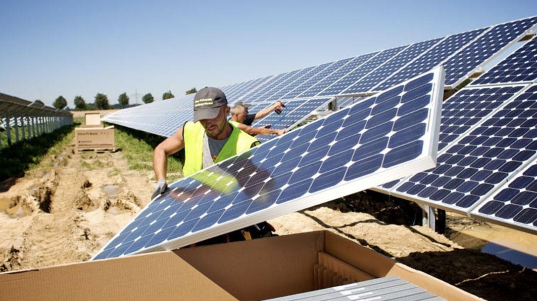 Solar Panel Installer